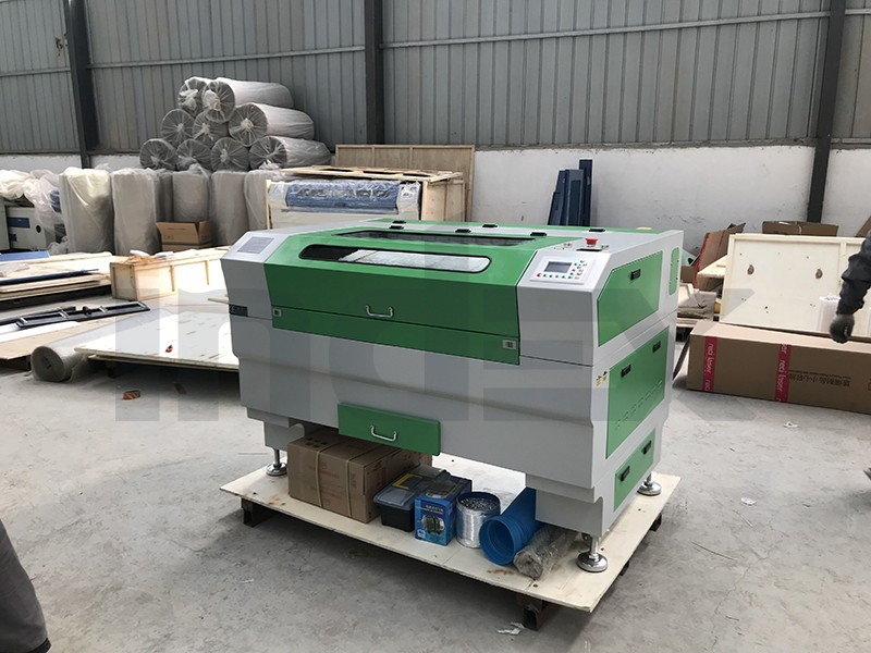 INJ6090 100w laser machine on delivery to USA